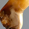 2016025-torso-man-abstract-albast-bruin-sokkel-arduin
